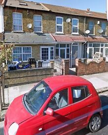 studio Flat For Rent in Lea Road Southall