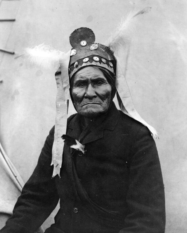 New 8x10 Native American Photo: Geronimo, Chief of the Bedonkohe Apache Indians