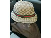beige gucci bucket hat mint condition