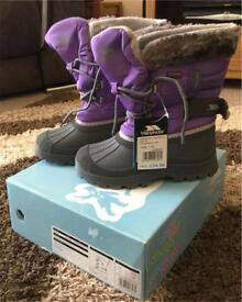 Girls Tresspass Snow boots UK1 BNWT