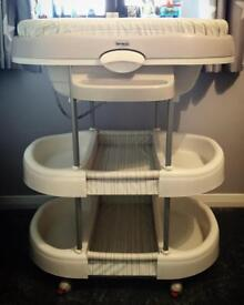 Brevi baby bath and changing station