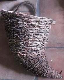 Wicker hanging baskets horn shaped- new
