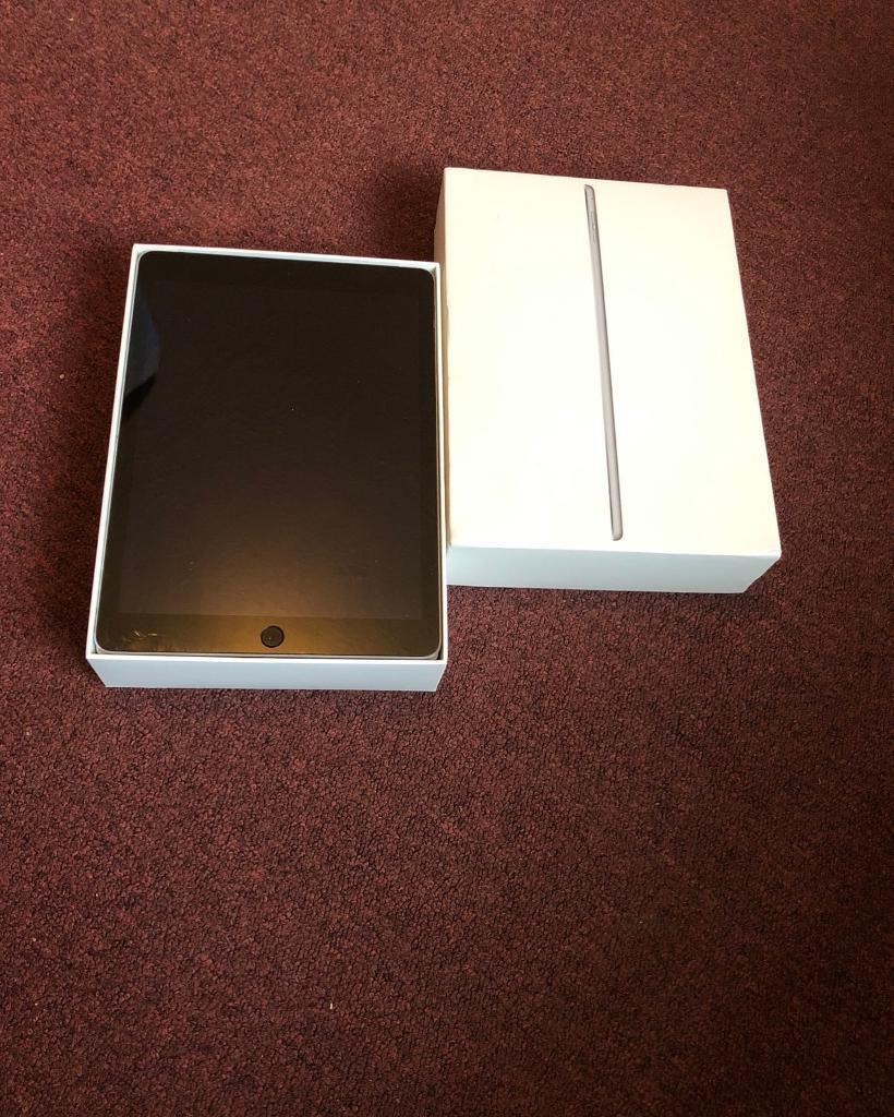 ***iPad air 2, 16gb, Vodafone, space grey, boxed***