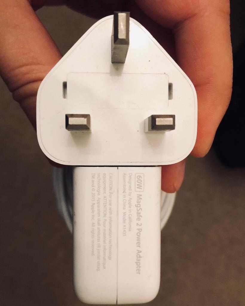 Macbook Pro Magsafe2 60w Charger In Shepherds Bush London Gumtree Apple Magsafe 2 Adapter 60 Watt
