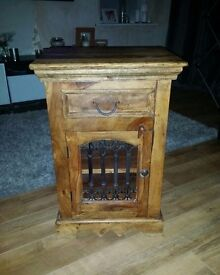 SOLID WOOD CABINET FOR SALE EXCELLENT CONDITION