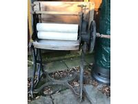 Vintage Victorian Cast Iron Wringer/Mangle for cleaning clothes. Works.