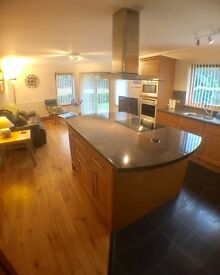Spacious Self Catering for up to 10 people, 12 minute drive from Inverness.