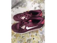 Nike Trainers Ladies Size 5