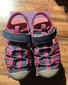 Girls Clarks shoes size 7-8
