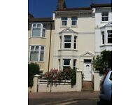 Spacious 5 Double Bedroom Furnished House in Great Location (all with Double Beds) & Separate Lounge