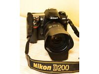 Nikon D200 SLR camera with 18-200 Nikkor zoom lens (VR)