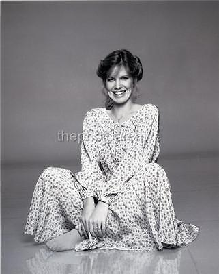 Superb High Resolution DEBBIE BOONE Embossed Photo By Harry Langdon HL1164
