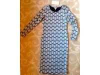 Elegant Black & Grey Scoop Neck Long Sleeve Patterned Midi Shift Dress by Skopes