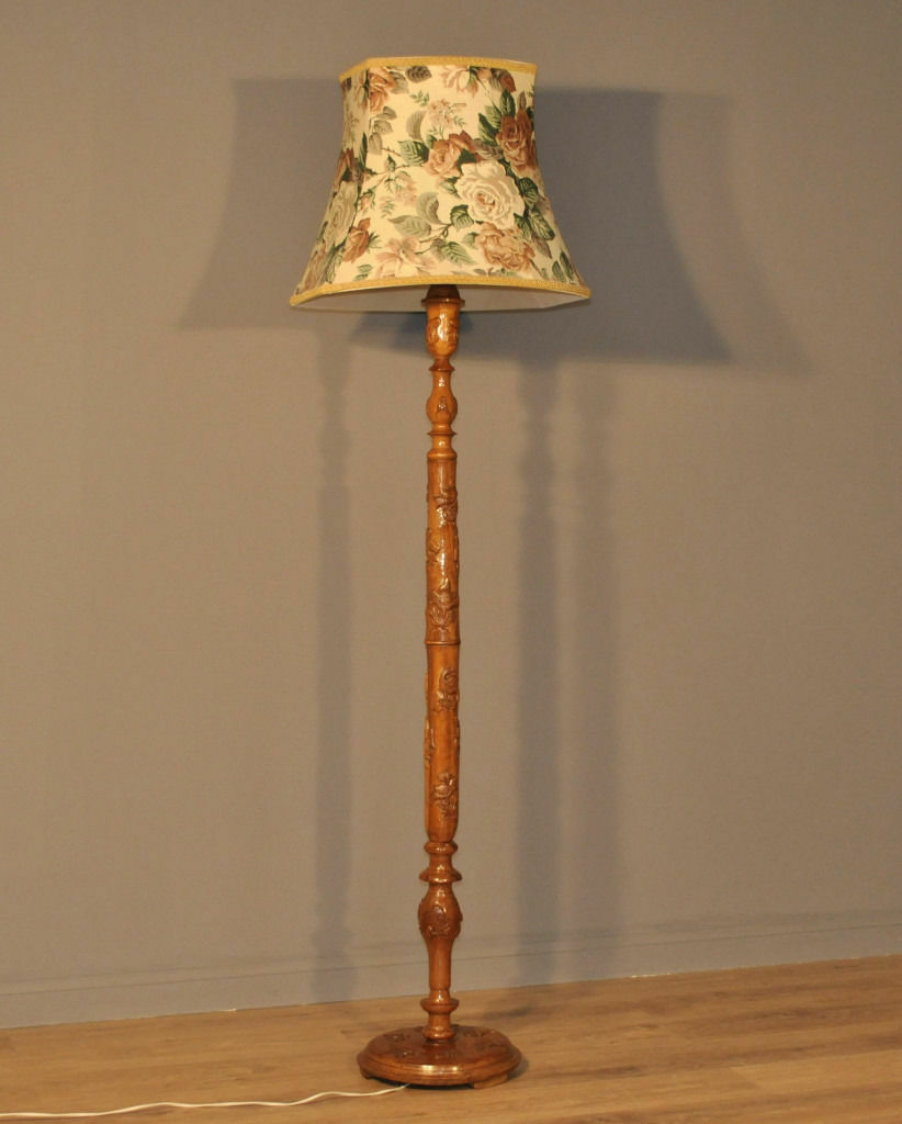 Attractive Tall Vintage Oriental Carved Hardwood Standard Floor Lamp