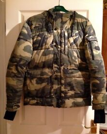 Mens Zara camouflage quilted/puffer jacket - Size L