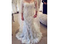 UNWORN NWT Pristine St Patrick Malasia White Lace Something Blue Wedding Dress 2017 Sweetheart Neck