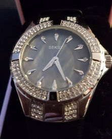 Brand New: Womans Seksy Crystal Watch.
