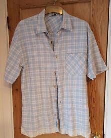 Mens shirts. Size medium. As new.