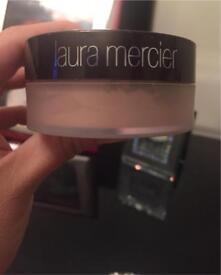 Laura Mercier Mineral Illuminating Powder in Starlight. Brand new. £20