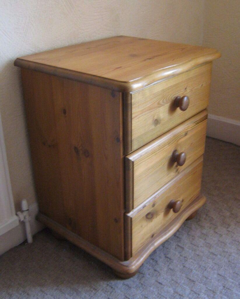 Corner Sofa Leeds Gumtree: Bedside Cabinets X2 In Pine