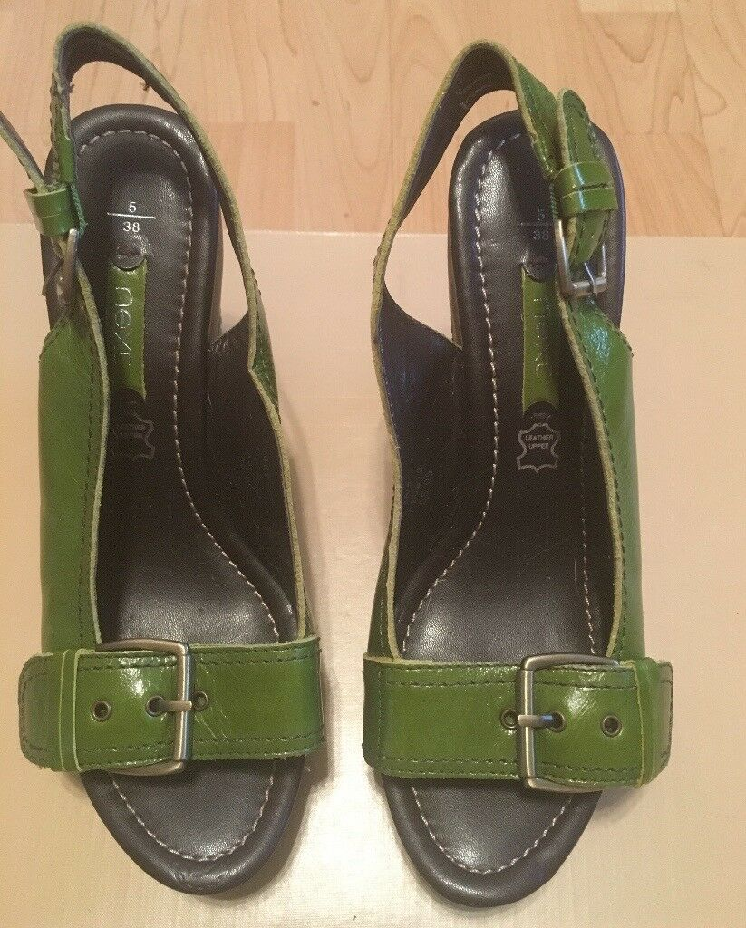 NEXT - Green Leather Ladies Slingback Wedge Heeled Shoes (Size 5)