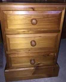 Solid quality pine bedside table 3x drawer chest