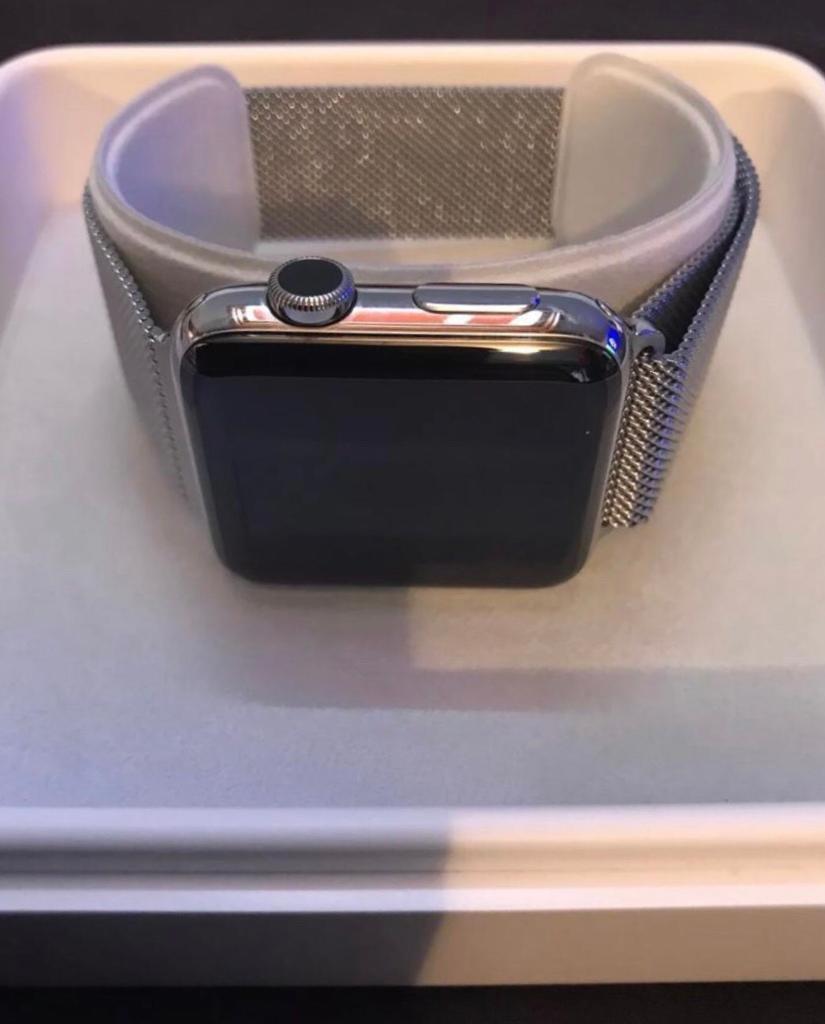 Apple Watch Stainless Steel Case 42mm Silver Milanese Loop In
