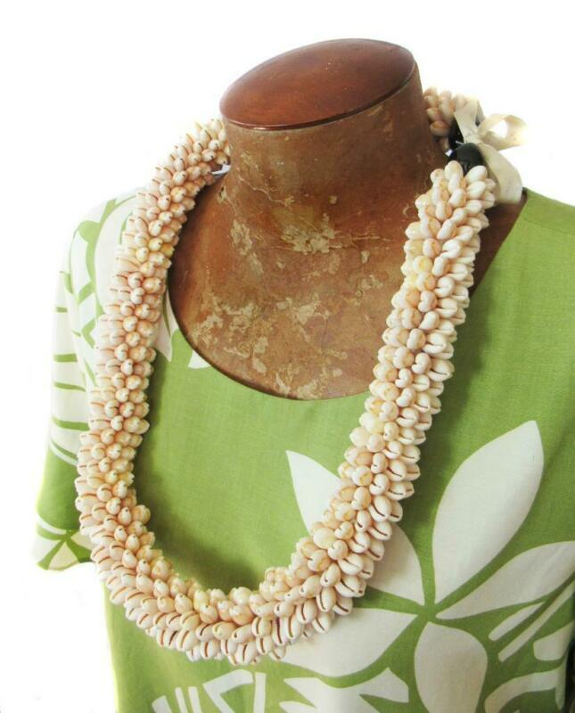"""Vintage Style Hawaiian Thick Light Beige Cowrie Sea Shell Lei Necklace 30""""  NEW"""