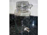 Quality Glassware Drinks Dispenser by Kimm & Miller 4 Litres