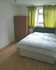 A DOUBLE ROOM TO RENT IN BRUCE GROOVE AREA