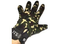 Camo Bike Hike Fishing Hunting Outdoor Camouflage Gloves - Large (22cm x 10.5cm) - Brand New!
