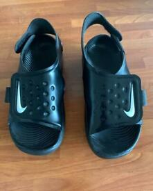 Younger boys Nike sandals