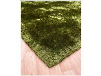 Brand new green fluffy rug size 120 cm x 170 cm