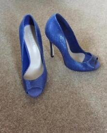 Carvela Kurt Geiger size 5 peep toe shoes