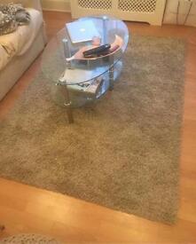 Glass table+rug