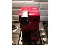 NESPRESSO byDe'Longhi Lattissima Touch EN550.R Coffee Machine - Red