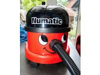 Numatic 'Henry' Hoover / Vacuum Cleaner - Nearly New with bags