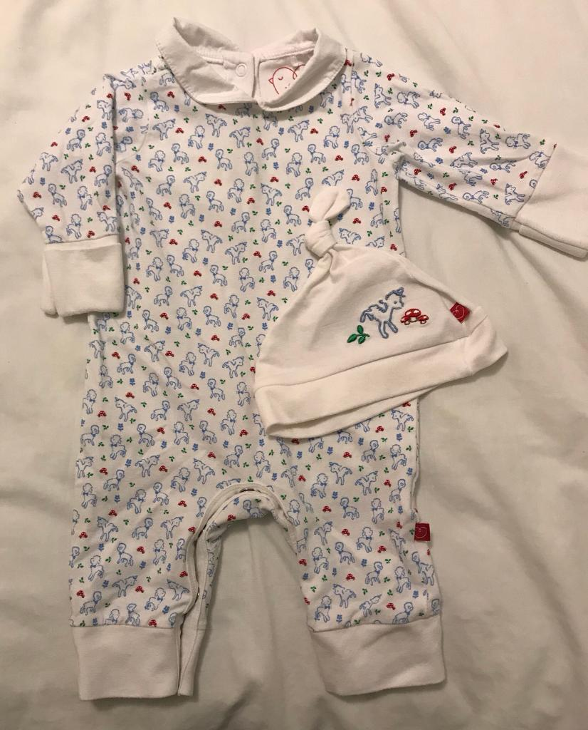 Baby outfits 0-3 months