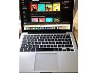 "Immaculate Macbook Pro Retina - 13.3""/Core i5 256gb/ 2.7GHz/ 8GB RAM/ 2015 Edition in Silver"
