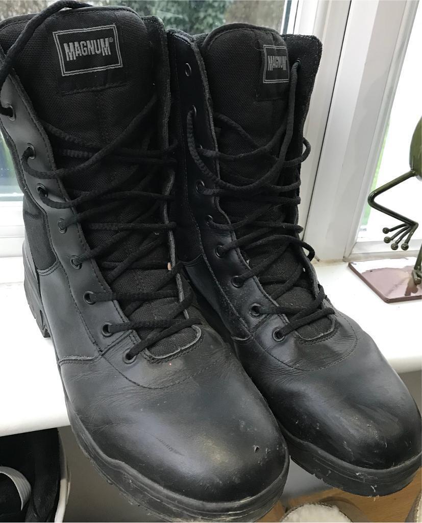 63bbf5f5 Magnum classic boots uk size 11 | in Lymington, Hampshire | Gumtree