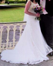 Ivory Lace Wedding Dress size 14