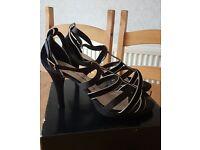Ladies Black & Gold Satin Strappy Platform Shoes size 7