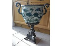 Bronze plant pot stand - Great condition
