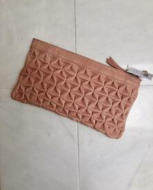 *BRAND NEW* Never been used Topshop real leather clutch bag in dusky pink colour