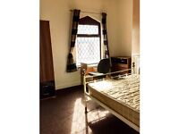 Room Available with ALL BILLS incl. Staffordshire UNI Quarter, Shelton (ST4)- Fully Furnished!