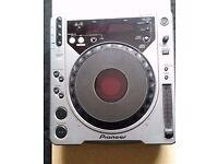 3 x Pioneer CDJ 800