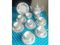 A beautiful 22 piece Royal Albert Lavender Rose tea set