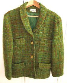 Elegant 100% New Wool Green vintage ladies jacket, made in France