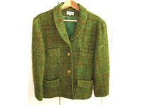 Elegant 100% New Wool Green vintage ladies jacket, made in France