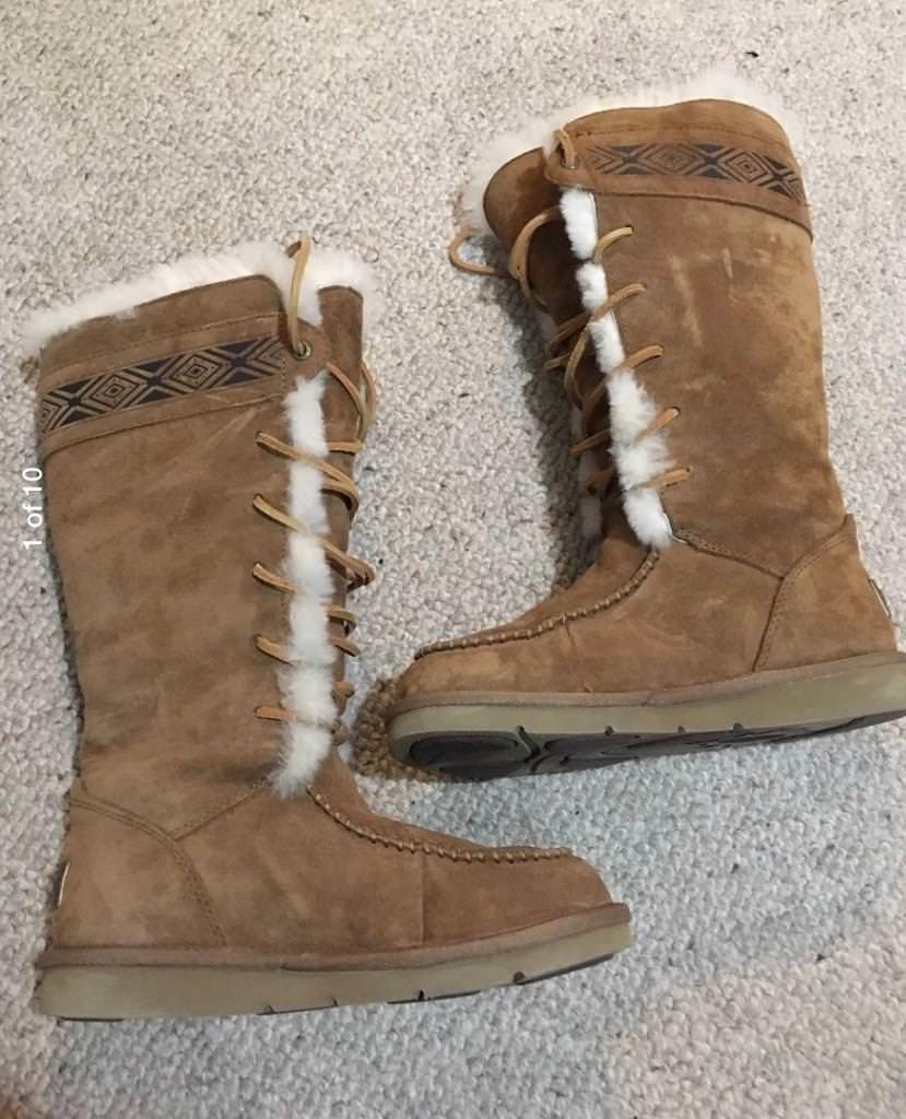 Women's UGG boots - Tularosa Chestnut 3331 size 3.5